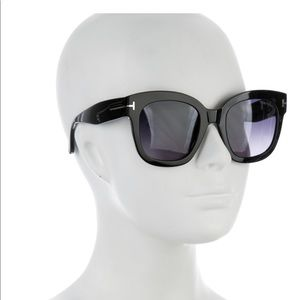 TOM FORD sunglasses. NWOT. New in a case